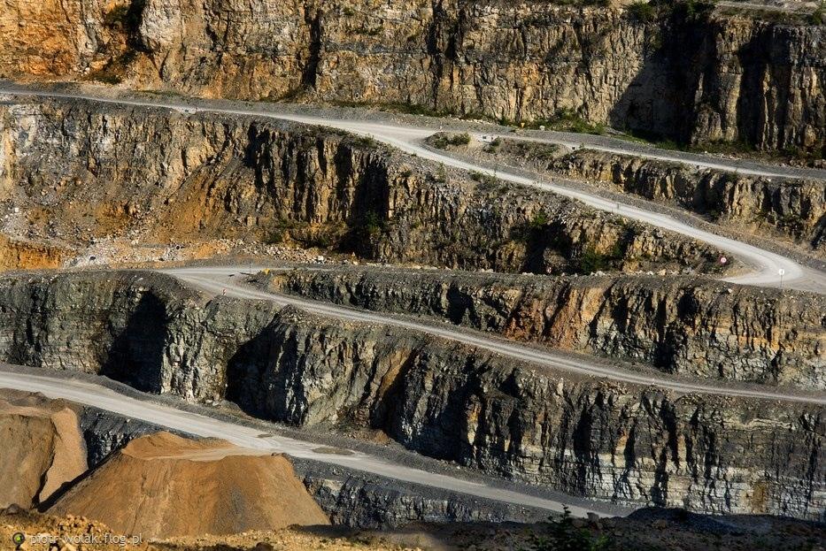 droga w kamieniołomie dolomitu Dubie